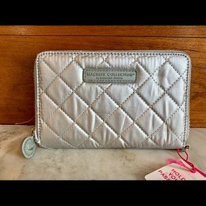 Macbeth Collection Quilted silver travel wallet